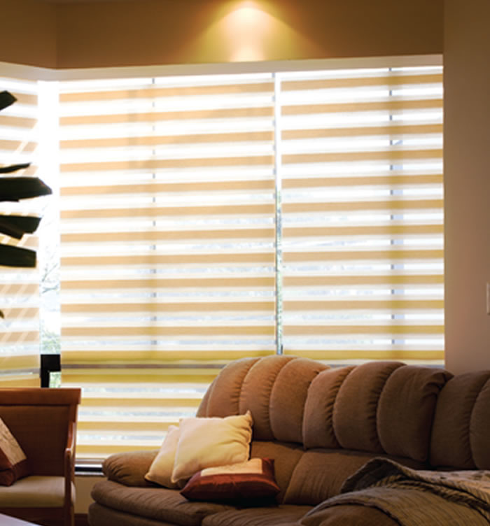 Cortina rol blackout tela solar e tecidos decorativos for Cortinas modelos 2016